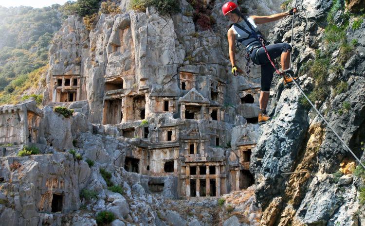mountain-climbing-in-Turkey